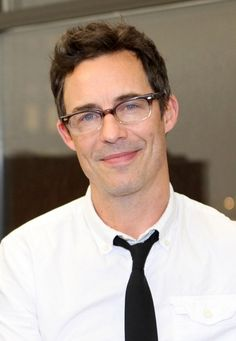 Glasses - Tom Cavanagh Joins CW Pilot THE FLASH