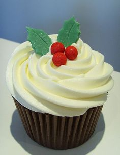 Christmas themed cupcake: holy crap, making these for the lab with Jaffas & spearmint leaves!