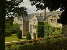 Trerice by Colin'sPic's, via Flickr.  The house was built in 1573 by Sir John Arundell, replacing a home that he inherited from his father. His father made his fortune in the sevice of his country; he was knighted and was Esquire to the Body of King Henry VIII before going on to serve Edward VI and Queen Mary.