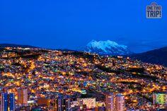 A 3650m sobre el nivel del mar, #LaPaz es la capital a mayor #altitud del mundo. Y esta es su estampa #nocturna