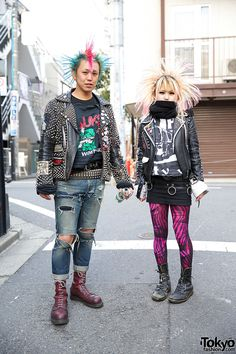 Street Looks - Harajuku Punks. Kentaro and Asuka are two punk rockers with spiky colorful hair who we spotted in Harajuku. We've seen them around Harajuku Tokyo Fashion, Punk Rock Fashion, Japanese Street Fashion, Harajuku Fashion, Fashion Fashion, Fashion Ideas, Fashion Quotes, Fashion Black, Hijab Fashion