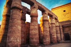 Egypt is famous for its ancient civilization. Get the scoop on the seven wonders of Egypt. Egyptian Temple, Luxor Temple, Luxor Egypt, Ancient Egyptian Architecture, Classical Architecture, Flotsam And Jetsam, Seven Wonders, World Pictures, Arquitetura