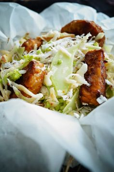 KNUSPERKABINETT: Asiatischer Waldorfsalat– mit Kokosdressing, gebra...