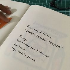 Quotes Sahabat, Quotes Lucu, Book Qoutes, Quotes Galau, Story Quotes, Poetry Quotes, Daily Quotes, Words Quotes, Reminder Quotes