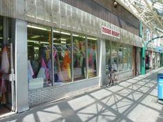 St-Hubert, Montréal | Tissus Régent | Pas de ventes en ligne-No online sales | https://www.facebook.com/Tissus-Regent-163050300424707/?fref=ts