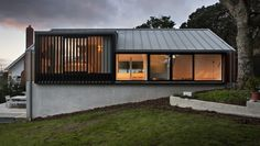 http://www.archipro.co.nz/inspiration-library/building/space-division-Stradwick-House