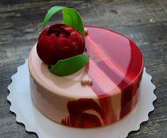 Йогурт-лесные ягоды с шоколадным цветком ! Доброе утро и хорошей пятницы ,а я жду новую группу для 2-х дневного мастер-класса