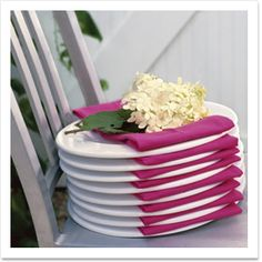 Distinctive Place Settings: Neatly fold fabric napkins & stack them in between glass plates. Great idea for a buffet-style dining parties. More from my site summer buffet table with fresh fruits … Silverware Set Up On napkin Napkin Folding, Party Entertainment, Summer Garden, Summer Picnic, Tropical Garden, Pink Garden, Easy Garden, Decoration Table, Patio Party Decor