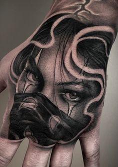 Nice Hand Tattoo Ideas For Guys - Best Hand Tattoos For Men: Cool Hand Tattoo Designs and Ideas For Guys Kopf Tattoo, Chicanas Tattoo, Clown Tattoo, Realistic Tattoo Sleeve, Tattoos Realistic, Best Sleeve Tattoos, Skull Rose Tattoos, Skull Hand Tattoo, Body Art Tattoos