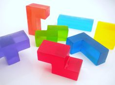 Inspiration from Bathrooms.com: Tetris soap blocks remind some of us of many an hour focussed on the tiny screen of the Gameboy. The colours are wonderfully bold. #GeekChic