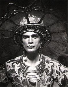 Conrad Veidt inDas Indische Grabmal(1921), directed by Joe May