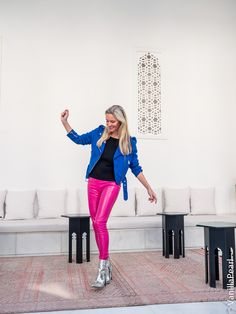 Christina Striewski Vanillapearl mit pinker Lederhose in Marrakech Leather Pants Outfit, Leather Jeans, Leather Dresses, Fashion Bloggers, Fashion Models, Lederhosen Outfit, Target, Gloves, Tights