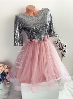 Rochie ocazie ieftina roz cu fusta din tulle si corset paietat argintiu - Rochii - Rochii banchet Floral, Skirts, Fashion, Moda, Fashion Styles, Flowers, Skirt, Fashion Illustrations