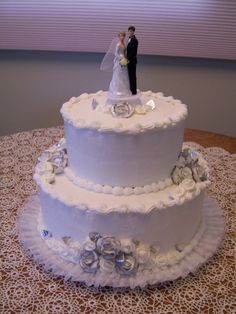 2 tier wedding cake.  designed by Simply Beautiful Cakes