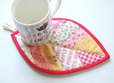 Mug+Rug+Free+Sewing+Pattern | Leaf Key Fob Pattern. (can be sized up to become a mug rug $ pattern)