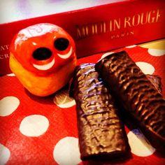 Yum chocolate crêpe bar! #mizumushikun #chocolate #crepe #crêpe #yum #yummy #sweets #cute #red #France #moulinrouge #cookie