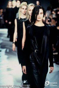 Kill me with ⤜Leather - Ann Demeulemeester : - StyleZeitgeist Anti Fashion, Dark Fashion, 90s Fashion, Couture Fashion, Runway Fashion, Fashion Show, Autumn Fashion, Vintage Fashion, Fashion Design