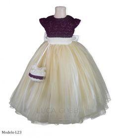 Vestido de niña ideal para ceremonia en espacio cerrado, color ideal para temporada de invierno.