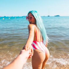 "https://www.revelist.com/skin/lower-back-butt-tattoos/12014/<p>Halsey's booty is ""hopeless,"" which is so damn cute.<br></p>/20/#/20"