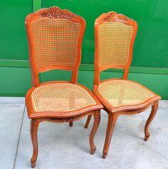 Coppia di sedie in stile Luigi XV con seduta e schienale in paglia di Vienna