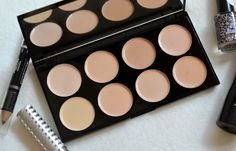 London Beauty Queen: A Professional Approach: Makeup Revolution Concealer Palette
