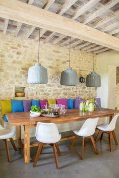 Ambienti rustici cozy e colorati. #casarustica #colori #design  https://www.homify.it/ambiente/sala-da-pranzo