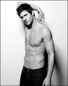 Ryan McPartlin... Captain Awesome Indeed