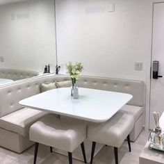 Banquette Seating In Kitchen, Rustic Kitchen Tables, Dining Room Bench, Dining Nook, Home Room Design, Home Design Decor, Home Decor, Diy Furniture Videos, Terrace Decor