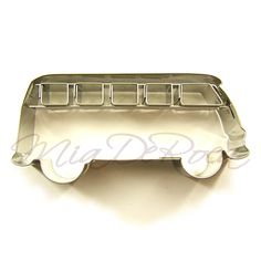 Bus Cookie Cutter - fancy biscuit cutters for sale MiaDeRoca shop Vw Bus, Vw Camper, Volkswagen, Fancy Biscuit, Vw Accessories, Cars Birthday Parties, Car Birthday, Amazing Cars, Cookie Decorating