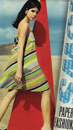 Summer vintage paper dress - Colleen Corby in Seventeen Magazine, 1967 60s And 70s Fashion, Seventies Fashion, 60 Fashion, Fashion History, Fashion Models, Vintage Fashion, Color Fashion, Vintage Vogue, Fashion Women