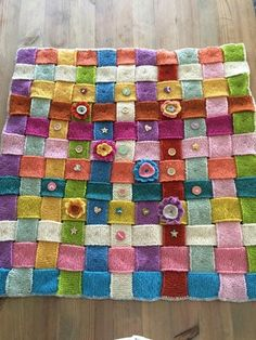 Homemade, Quilts, Blanket, Crochet, Home Made, Quilt Sets, Ganchillo, Blankets, Log Cabin Quilts