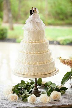 High Tea in Tennessee! Homemade Vintage Wedding by Jo Photo High Tea Wedding, Boho Wedding, Vintage Cake Toppers, Wedding Inspiration, Wedding Ideas, Wedding Blog, Flower Garlands, 2nd Birthday Parties, 50th Anniversary
