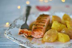 somon cu sos de unt si lamaie (3) Unt, Sausage, Food And Drink, Fish, Tableware, Dinnerware, Sausages, Pisces, Tablewares