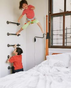 A CUP OF JO: New York City apartment tour; climbing wall in the guest bedroom New York City Apartment, Family Apartment, Climbing Wall Kids, Indoor Climbing, Casa Kids, Kids Gym, Indoor Play, Cool Apartments, Kid Spaces