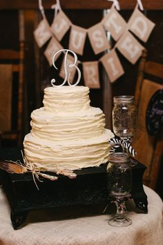 This is gonna be our cake when we renew our vows... simple and cute im hoping i can set it up something like this too!