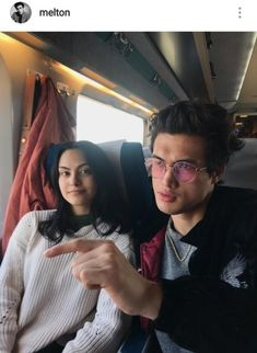 Camila Mendes and Charles Melton Riverdale Memes, Riverdale Cast, Riverdale Archie, Archie Comics, Cute Celebrities, Celebs, Camila Mendes Veronica Lodge, Camila Mendes Riverdale, Camilla Mendes