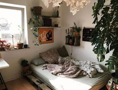 Affordable Bedroom Home Decor Home Helpful Techniques For Large Sch . - Affordable Bedroom Home Decor Home Helpful Techniques For Large Bedroom Home Dec - Home Bedroom, Diy Bedroom Decor, Home Decor, Bedrooms, Bedroom Ideas, Bedroom Inspo, Chambre Indie, Room Ideias, Aesthetic Room Decor