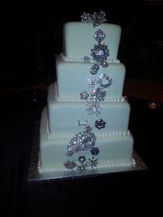Calumet Bakery Brooches wedding cake