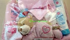 » SMALL NEW BORN BABY GIFT BASKET (with Johnson's Baby Skincare products)