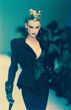 Claude Heidemeyer in Thierry Mugler fashion show, 1988