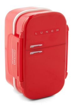 Cool, Calm, and Connected Bento Box. When you have a plethora of snacks to pack for your lunch, reach for this red, refrigerator-shaped bento box! Cute Kitchen, Vintage Kitchen, Retro Vintage, Kitchen Dining, Vintage Style, Red Kitchen, Vintage Decor, Vintage Inspired, Vintage Accessories