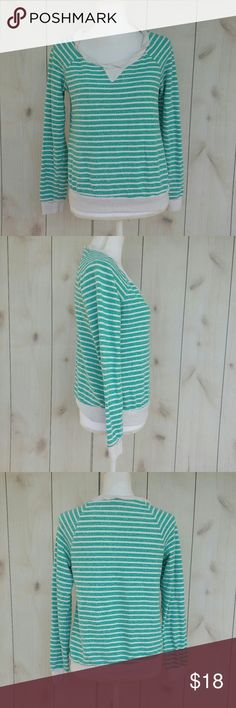 "Splendid lightweight sweater Excellent pre owned condition sweater by Splendid Size medium  Cream/teal green Twisted neckline detail  70% cotton 30% rayon  Pit to pit 17"" Length 22.5"" Splendid Sweaters Crew & Scoop Necks"