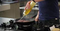 Le chef Gordon Ramsay connaît l'ULTIME façon de cuire un steak et il nous la montre... Yes!
