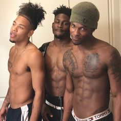 ⚠️ is the plug for more poppin' ass pins ⚡️ PLEASE give me my credit ‼️ Hot Black Guys, Fine Black Men, Gorgeous Black Men, Handsome Black Men, Fine Men, Beautiful Men, Cute Lightskinned Boys, Cute Black Boys, Hot Boys