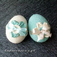 crocheted eggs Easter Crochet Patterns, Crochet Crafts, Easter Treats, Crotchet, Happy Easter, Elsa, Baby Shoes, Knitting, Inspiration