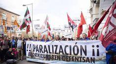 Con motivo del proyecto de recrecimiento de la presa de Yesa, el pasado 2 de abril se agolparon frente al congreso representantes ciudadanos y ecologistas.