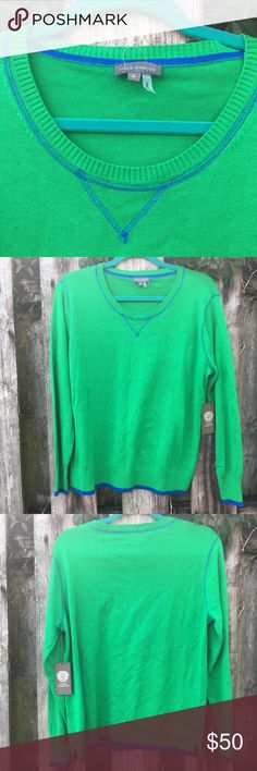 VINCE CAMUTO 🕶 💚 Tile Green Sweater Beautiful green sweater perfect with cobalt blue accessories. 💚Make an Offer :) [Last picture is for style ideas. Not the sweater itself.] Vince Camuto Sweaters Crew & Scoop Necks