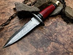 CUSTOM HAND FORGED DAMASCUS STEEL HUNTING DAGGER - RED WOOD & BRASS- Damascus Sword, Damascus Steel, Swords And Daggers, Knives And Swords, Collector Knives, Unique Knives, Hand Forged Knife, Hunting Pictures, Dagger Knife