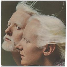 Edgar & Johnny Winter 1976 - Old School - Old School images - Edgar & Johnny Winter 1976 The post Edgar & Johnny Winter 1976 appeared first on Gag Dad. High Fashion Photography, Glamour Photography, Editorial Photography, Lifestyle Photography, Richard Avedon Photos, Richard Avedon Photography, Paula Scher, School Images, Film Studies