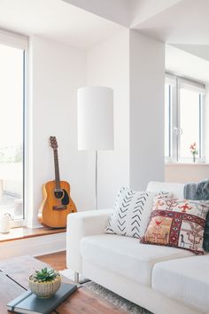 Homepolish designer Alison Murray Winkler created a bright and zen abode for her newlywed clients.
